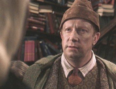Mr-Weasley-arthur-weasley-10180648-400-306[1]