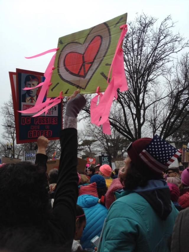 womens-march-on-washington-heart